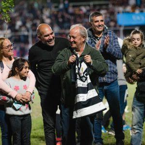 El Pelado Oviedo, homenajeado en Tala vs Tablada
